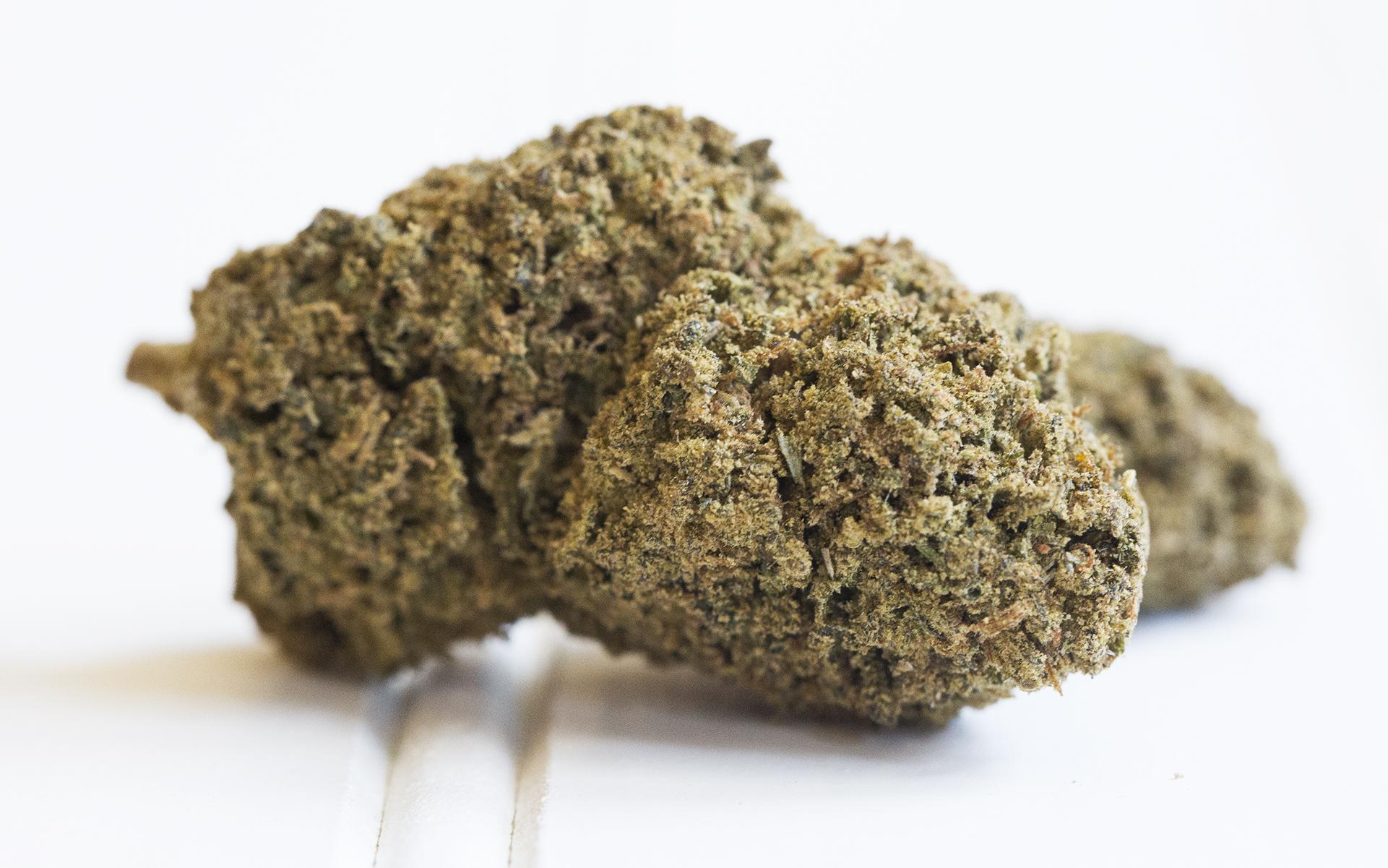 La ricetta per produrre Moon Rock prevede l'impiego di pochi e tutto sommato semplici elementi, tutti derivati dalla cannabis.
