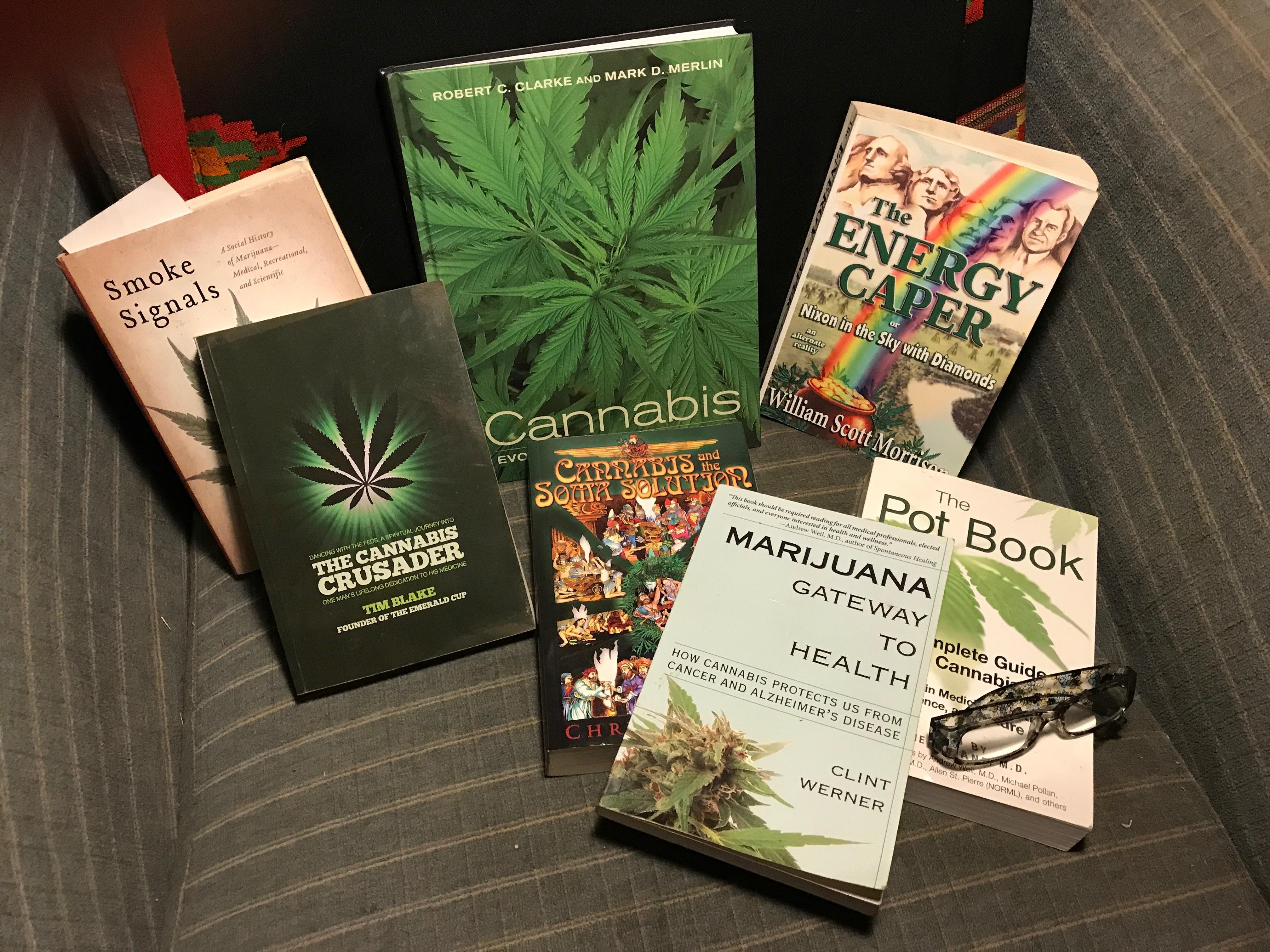 Libri guida cannabis